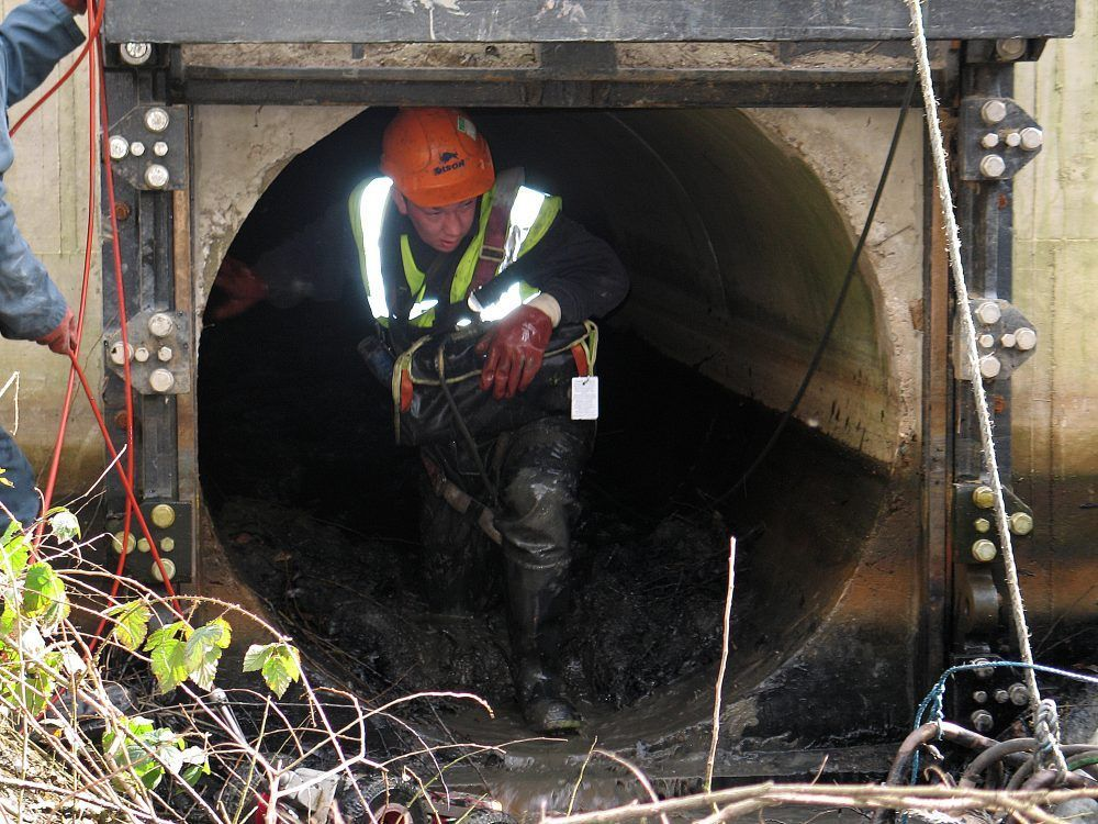 case-study-images-man-entry-culvert-004