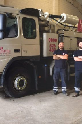 Top interceptor team – Jet Vac Engineer Brendon Parsons, left, and Operations Manager Lee Hubber, who attended Newbery Metals to clean the interceptor.
