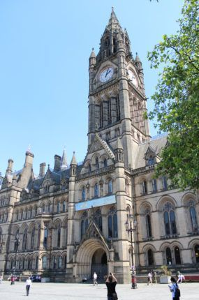 manchester-town-hall-exterior-med-300